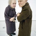 donne anziane, scultura